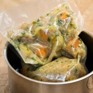 Hühnersuppe vom Maishuhn mit Gemüse & Karotten