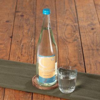 Mondquelle Flasche